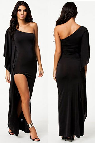 rochie Draped http://ttap.co/1B6i9ic Rochia lunga cu tesatura moale, matasoasa ce ofera un confort sporit. Este o rochie de seara cu un design special, de dimensiuni reduse in partea frontala si lunga la spate, cu un umar acoperit si un umar gol. Piesa vestimentara speciala, conceputa pentru ocazii cu adevarat speciale.