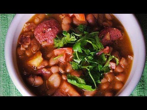 Receta de frijoles charros / Charro beans recipeentrevista - YouTube