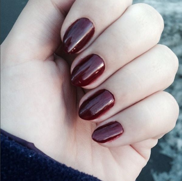 Perfect cabernet nails