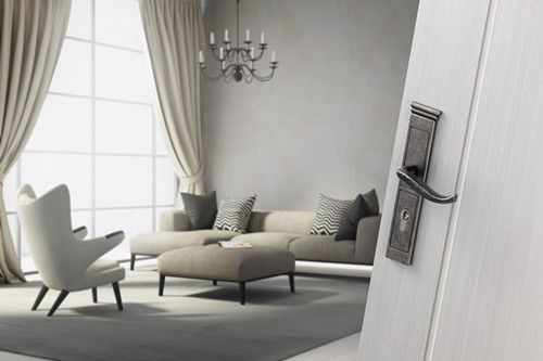 The Ravenna Series Handle is represented by Hoppe (Shanghai) Ltd. This series combines European fl air and Asian culture into an extravagant handle set on back plate.Made in Europe, this is a brand-name product of the highest standard.10-year operational guarantee on the door and window handles of the Ravenna duravert® Series.