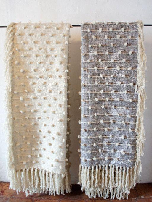 Mexchic Handwoven Palomita Blanket/Rug - 6' x 8' - Cream