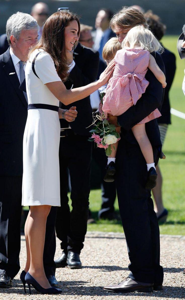 Kate Middleton Wears Body-Hugging Discount Dress