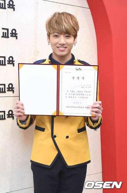 Jungkook is now graduated from high school, congrats baby ❤️❤️❤️