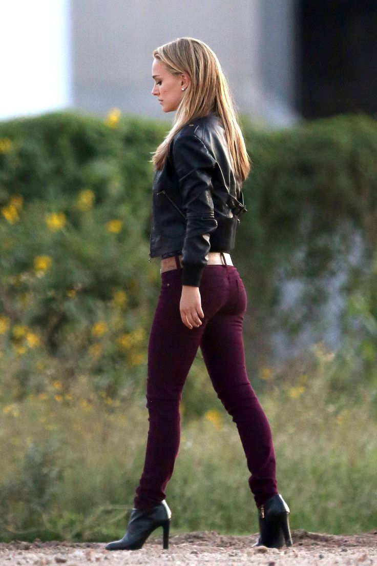 Sandy Blonde Natalie Portman wearing a leather jacket, burgundy slim-fit pants and stiletto heels walks away disappointedly. - Imgur