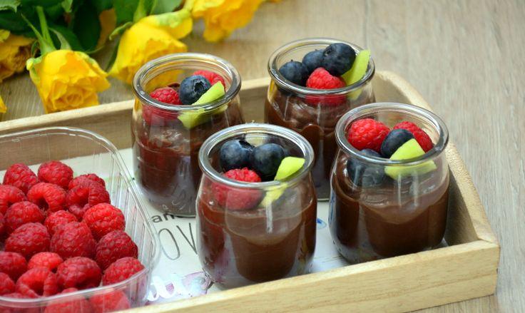 Przepis na mus czekoladowy z awokado (bez cukru)
