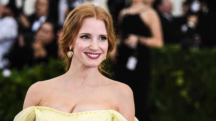 """Jessica Chastain took to Twitter on Thursday to call out CBS for the network's lack of female leads in its fall lineup. """"I'll just Netflix and chill. Or some HBO greatness. Or any…"""
