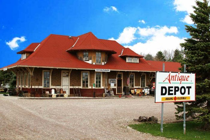 Everyone In North Dakota Should Visit This Amazing Antique Train Depot At Least Once And Travel