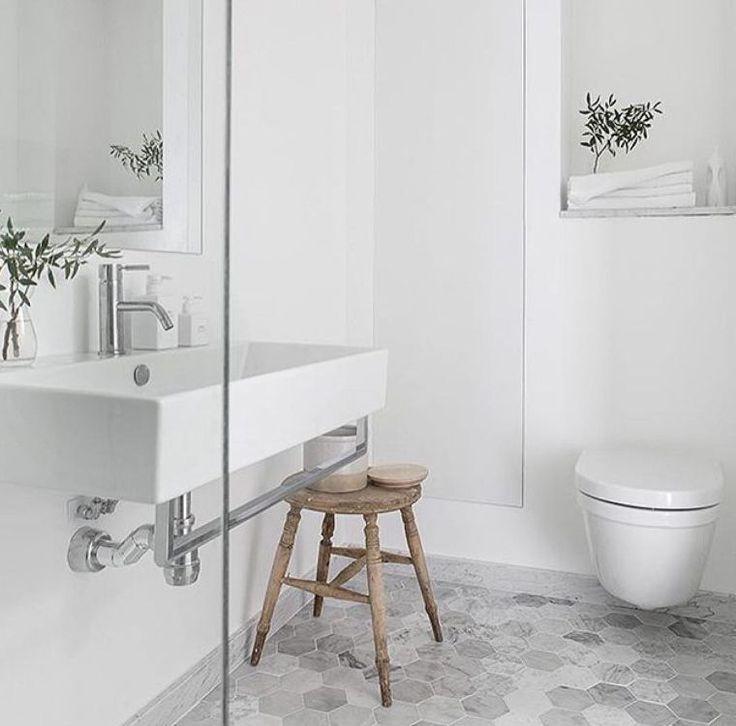 carrealge hexagonal marbre salle de bain deco style scandinave meuble bois