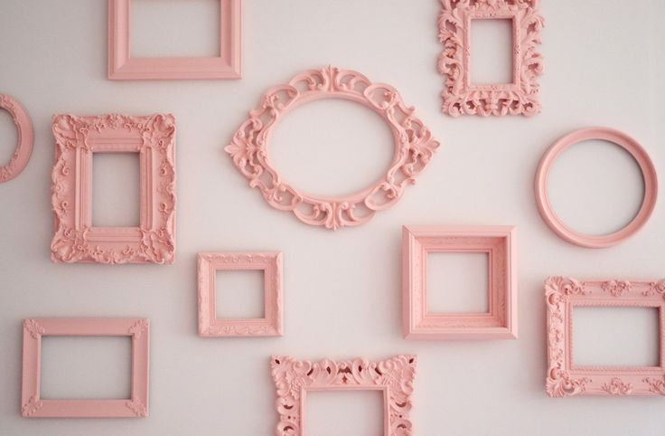Sweet, simple gallery wall of pink frames - #nursery #gallerywall: Wall Decor, Decor Wall, Wall Frames, Paintings Frames, Empty Frames, Vintage Pictures, Vintage Frames, Frames Wall, Pictures Frames