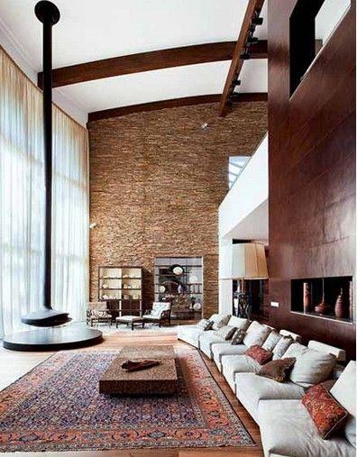 Интерьер в этническом  стиле с камином