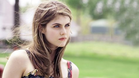 Alexandra Daddario HD Wallpapers - Free download latest Alexandra Daddario HD Wallpapers for Computer, Mobile, iPhone, iPad or any Gadget at WallpapersCharlie.com.