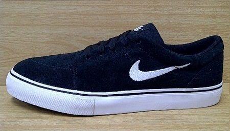 Kode Sepatu: Nike SB Satire Lo Black White Ukuran Sepatu: 42.5 Harga: Rp. 600.000,- Untuk pemesanan hub 0831-6794-8611