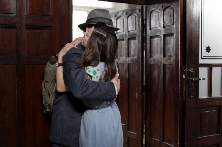 Przyjaciele padają sobie w ramiona (fot. Monika Zielska/TVP)