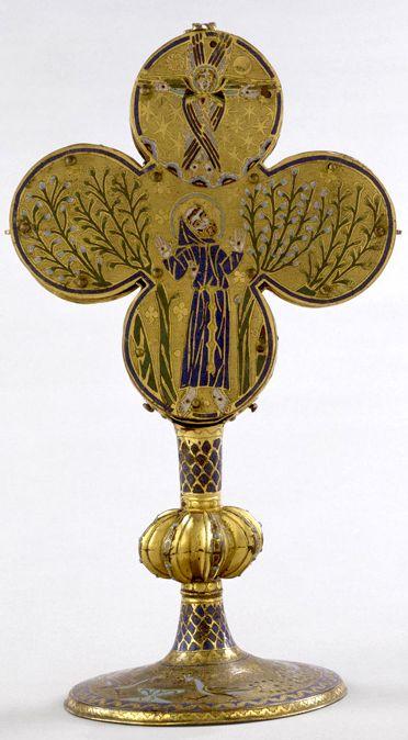 Reliquaire de saint François d'Assise, Limoges (après 1228). Cuivre doré, émail champlevé sur cuivre doré, cristaux.