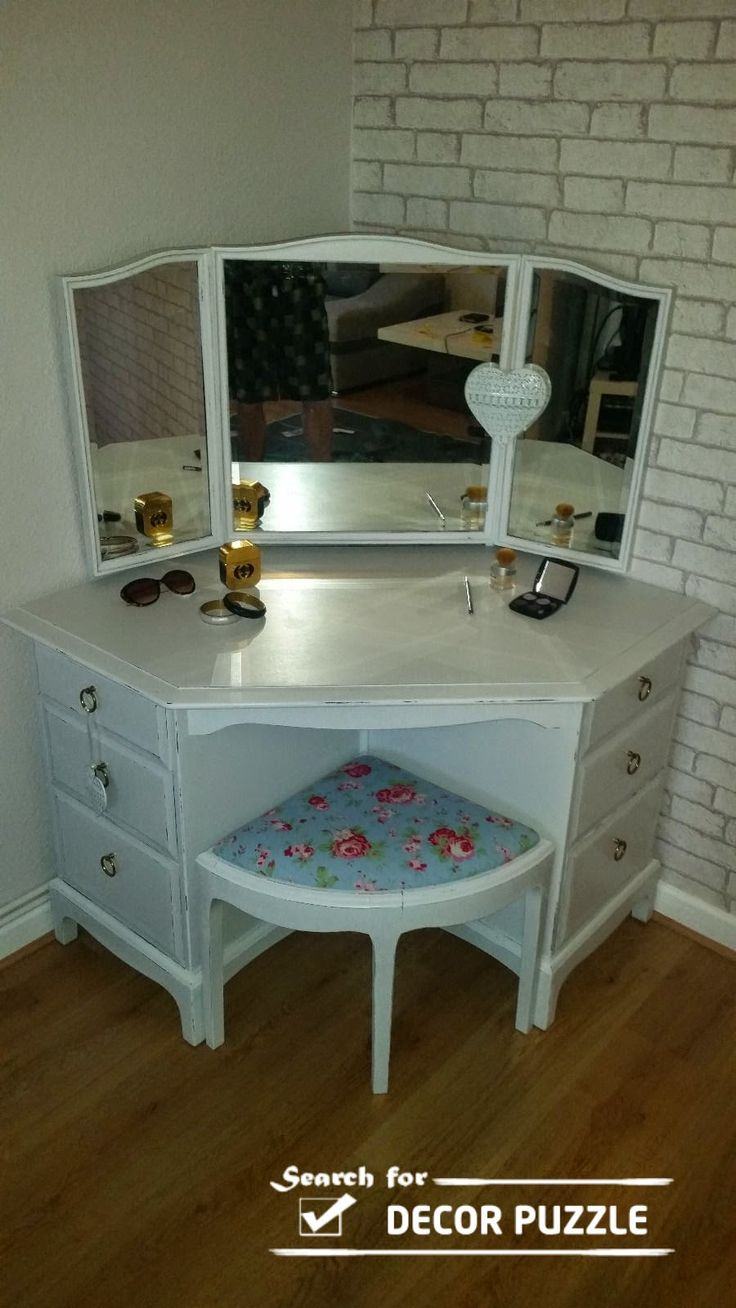 Modern dressing table with mirror - Browse Our Functional Ideas Of Corner Dressing Table Designs For Small Bedroom Modern White Corner