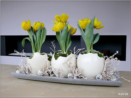 Bloemschikken Pasen: drie op een rij - Bloemschikken Pasen met eieren creatief bezig zijn
