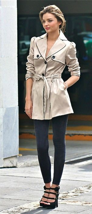 Miranda Kerr Street-Style | Circlelensdiary.com | Authentic Korea Circle Lens. Online Circle Lens Store.