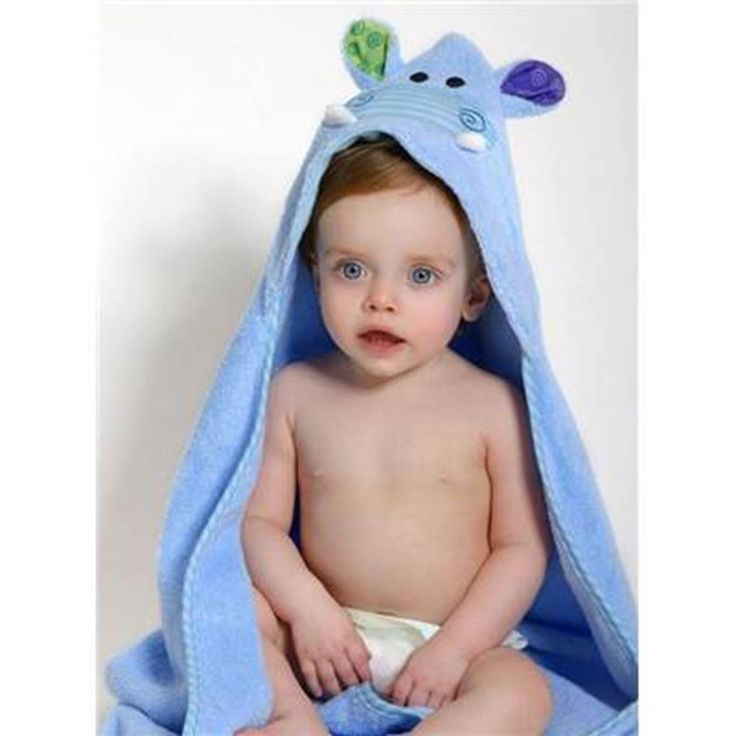 Henry the Hippo! His snout is 3D and striped and patterned prints on the ears. All baby sized towels are bound around all the edges and the hood is lined with soft jersey for comfort. Ideal for newborn to 18 months. #henrythehippo #hippos #towel #zoocchini