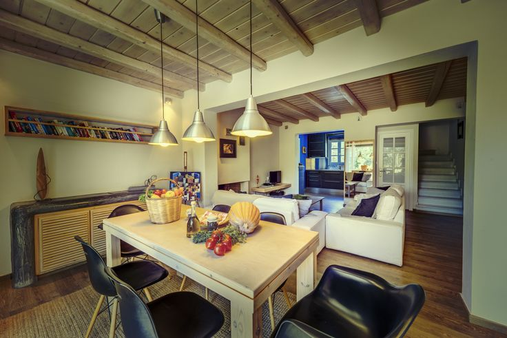 Villas for rent - Naxos island of Greece - Amazing places - cozy interiors - art - island life - traditional hospitality - organic products - private swimming pool - alternative relaxing holidays
