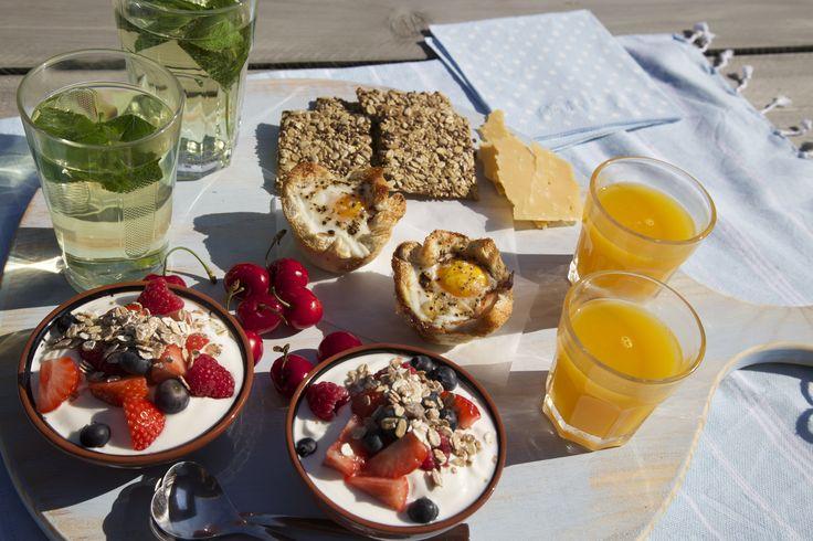 Breakfast in the sun  www.pimentaloreti.nl