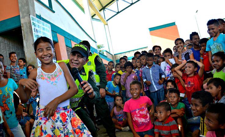 En el Bajo Cauca #Antioqueño nuestros policías, entregan toda su vocación, para que los niños de esta región disfruten de la mejor manera el tiempo libre. #UnCompromisoDeCorazón