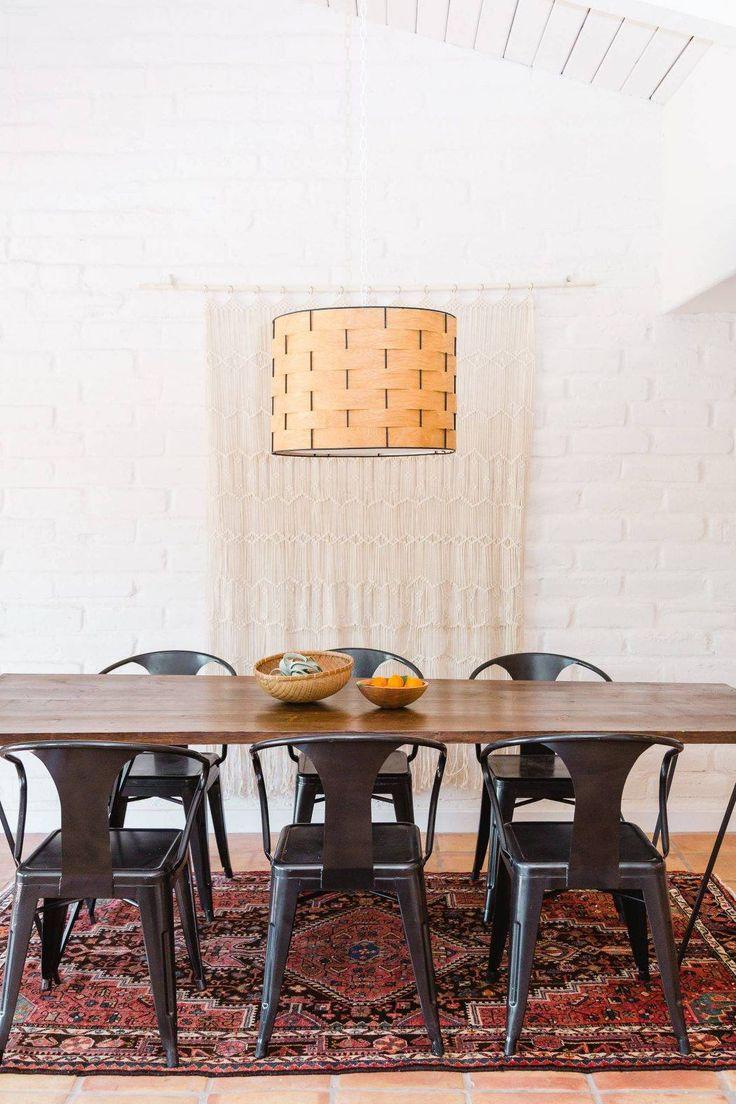 Coup de coeur de Tiffany Fayolle (TGF) Architecte d'intérieur à Lyon ( TiffanyFayolle.com ) pour ce projet aux chaises de métal noir