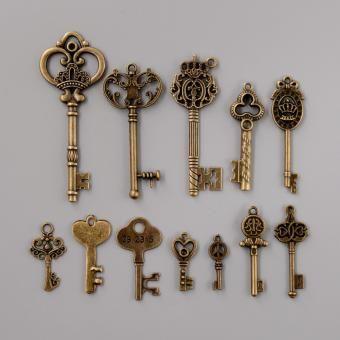 Set de 12 Llaves Antiguas para Colección-Bronce