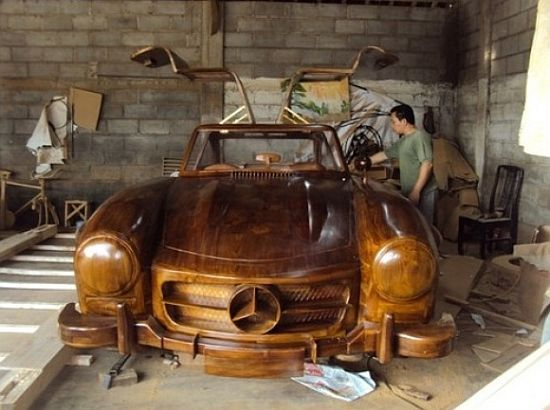 Mercedes Benz 300SL Gullwing made entirely out of wood is the finest piece of automotive crafting: Mercedesbenz 300Sl, 1955 Mercedes Benz, 1955 Mercedesbenz, Wooden Cars, 300Sl Gullw, Wooden Merc, Merc Benz 300Sl, Mercedes Benz 300Sl, Woods