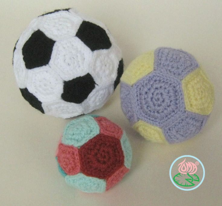 Free Pattern: AMIGURUMI FOOTBALL / SOCCER BALL plus two extra toy balls - Toma Creations