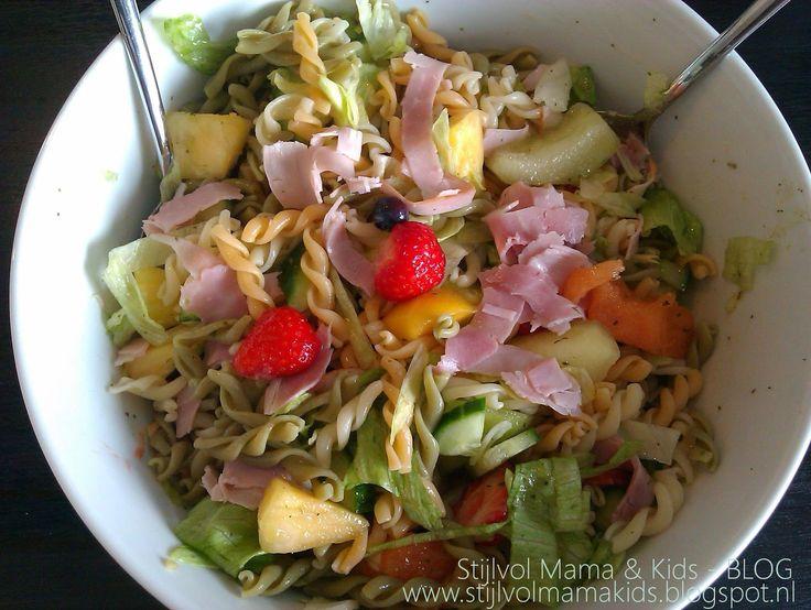 Mama recept   Pasta tricolore met fruit, kip en ham