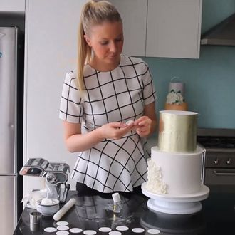 how to: scrunch ruffles Felicity Cook | Living Creatively