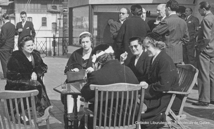 Visita del príncipe Otto de Austria al Club Marítimo del Abra, 1954 (Colección Archivo municipal de Getxo) (ref. 05774)