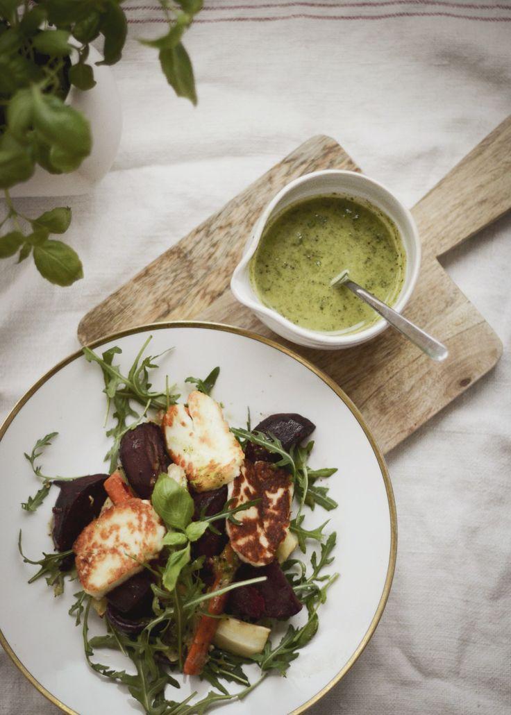 Vegetarisk måndag- Recept på ugnsstekta rotfrukter, basilikasås och Haloumi | DIY Mormorsglamour | Sköna Hem
