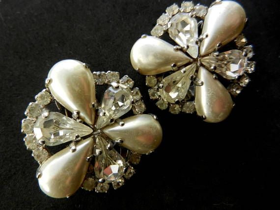 Classy Vintage simulated Pearl and Rhinestone Diamond Clip On