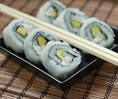 Advice on making your own sushi.  It's SO easy! #sushiMake Sushi, California Rolls, Asian Yummy, Yummy Food, Easy Food, Sushi Rolls, California Sushi, Sushi Yummy, Food Drinks