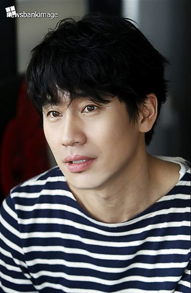 Shin Ha Kyun on @dramafever, Check it out!