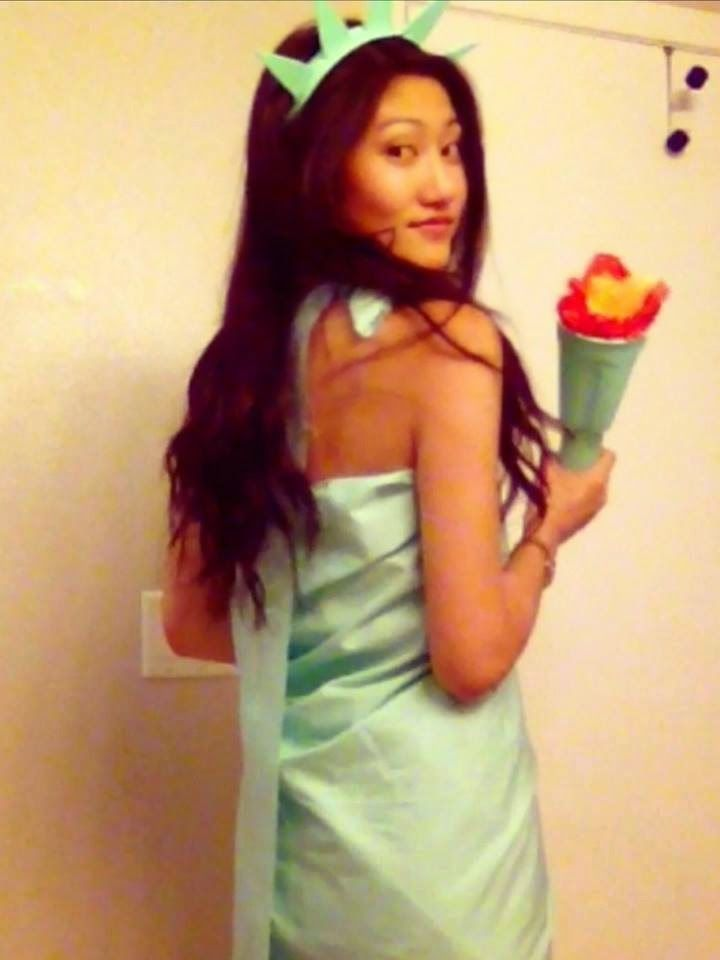 DIY lady liberty costume! Great for halloween, homecoming week (America day), and 4th of July