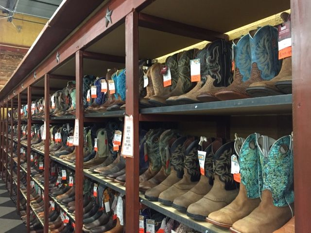 Today, we ventured to Cavender's Western Outfitter, in Colorado Springs.   They have 4 locations, Albuquerque NM, El Paso TX, Centennial CO & Colorado Springs CO.  Click on the link to see more pictures from my visit in the Summer of '16.
