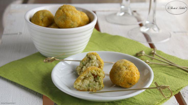 Le polpette di miglio e zucchine sono dei bocconcini sfiziosi perfetti come finger food.
