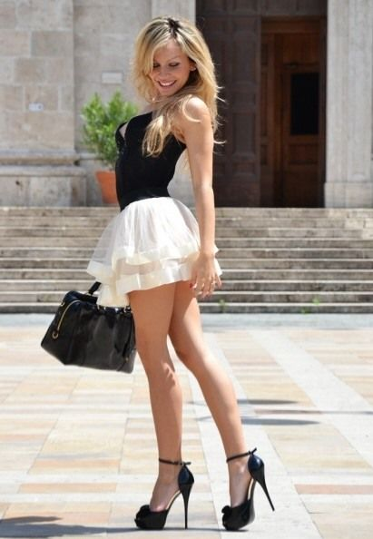 304 best images about Mini skirt on Pinterest | Skirts, Beauty and ...