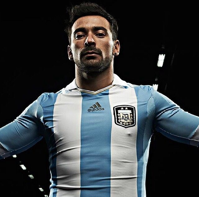 Argentina's Lavezzi