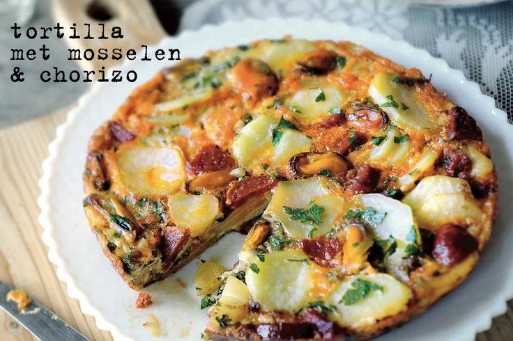 spaanse tortilla met mosselen en chorizo