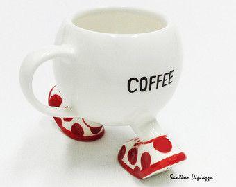 Unieke offerte mokken - rode Polka Dot koffiemok - Walking aardewerk - vlekkerige rode mok - maat aardewerk - Novelty Tea Cup - Santino Dipiazza