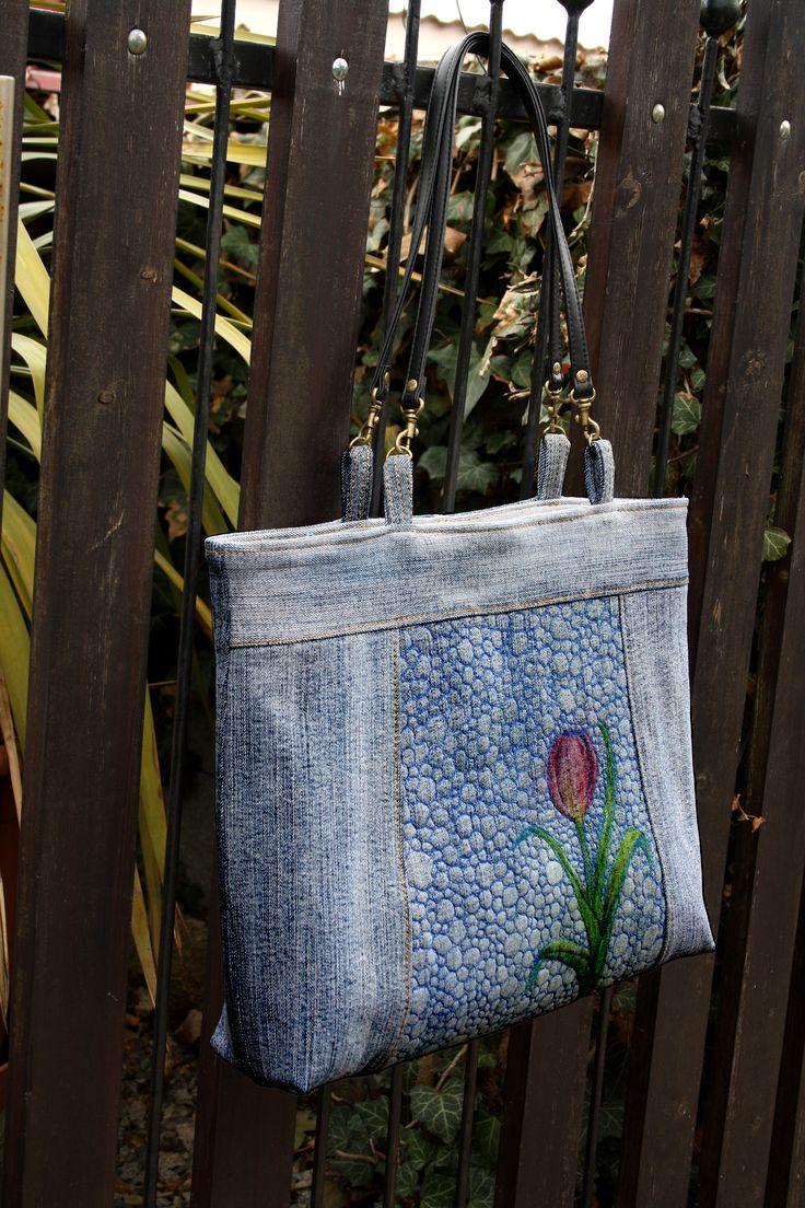 kabelka https://www.fler.cz/zbozi/tulipanova-8463952
