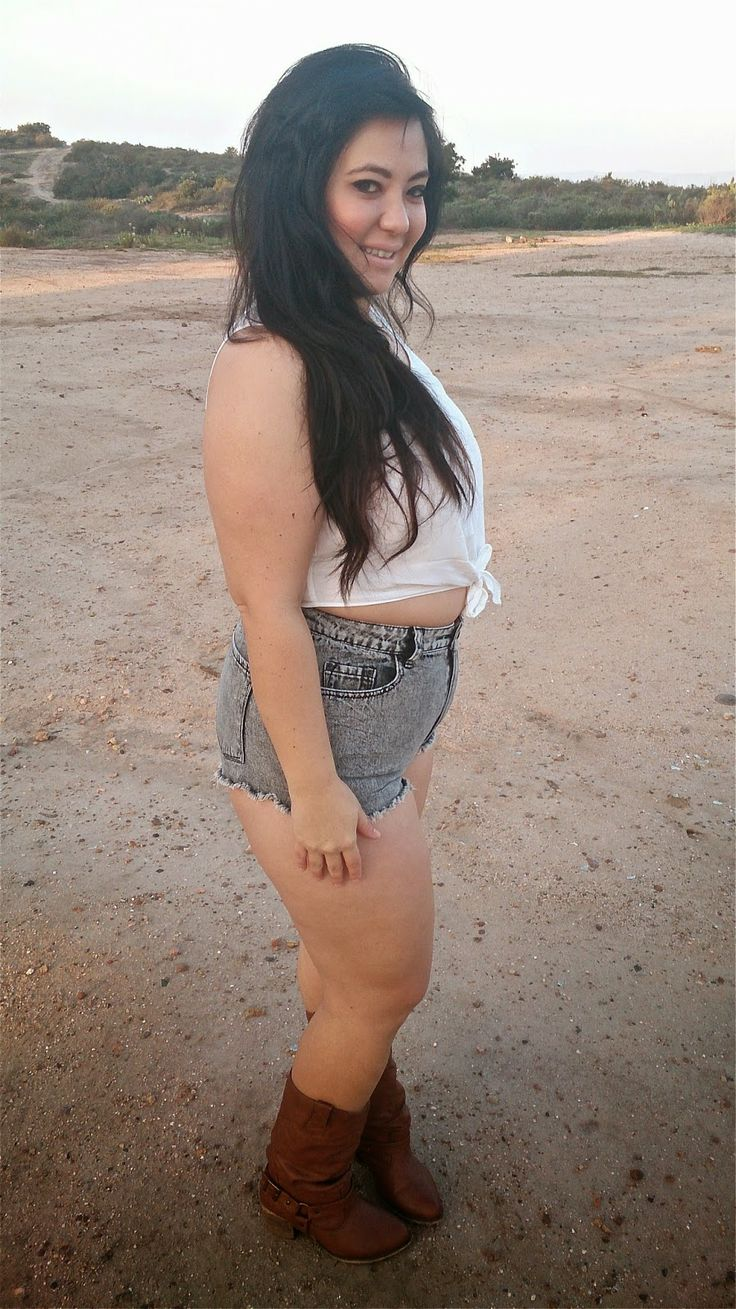 Unruly Chic: {Thick Thursday} Boots and Booty Shorts ...