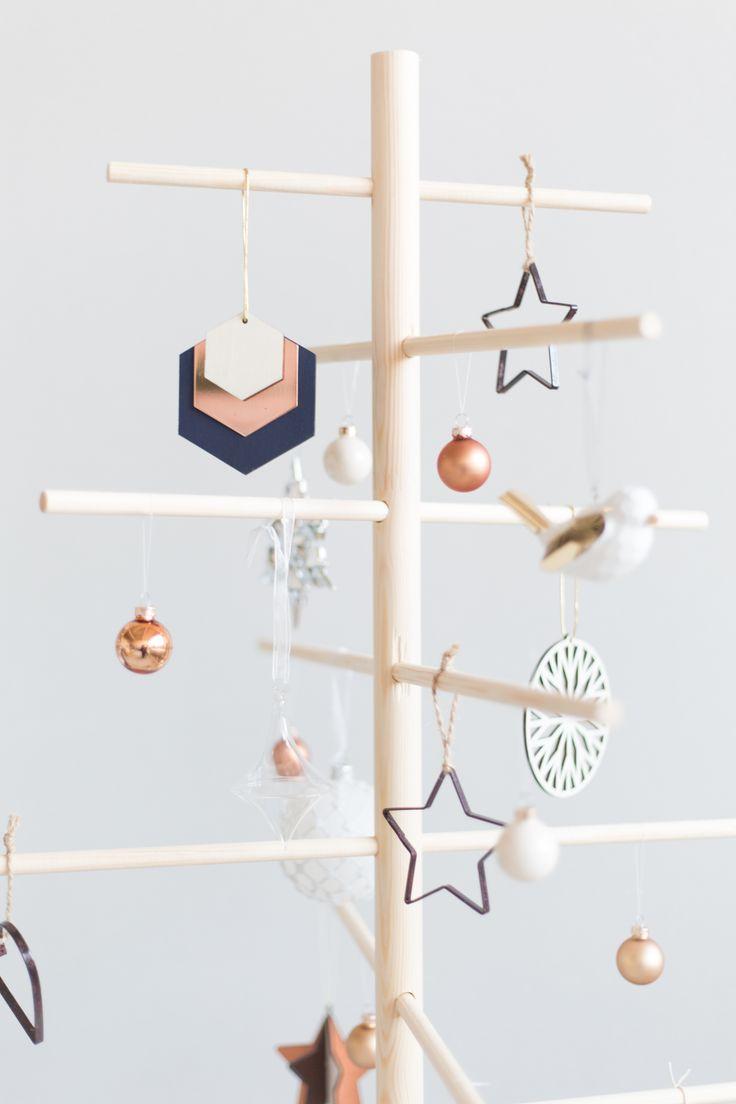 DIY Minimalist Wooden Christmas Tree   Fall For DIY