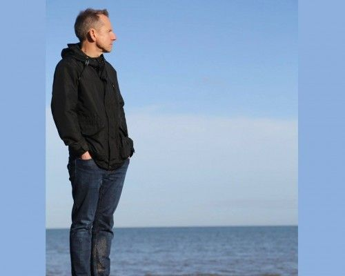Wednesday 25 May 8pm - JEREMY HARDY - the popular T.V. and Radio personality returns with his brand new show.