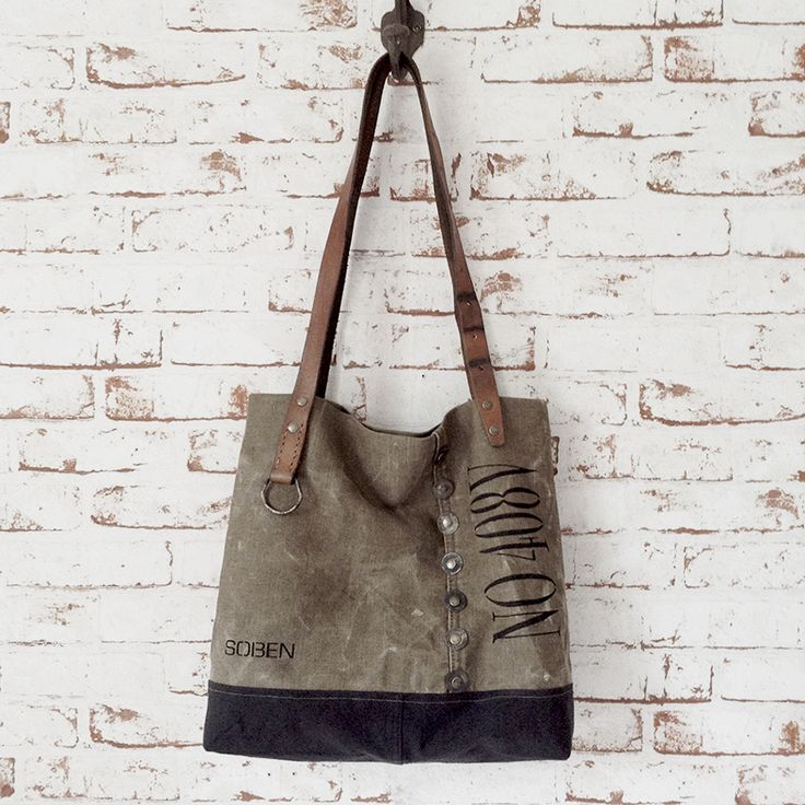 Sac à main vintage entièrement façonné à la main. Toile coton et lin kaki délavée et toile de coton et lin gris ardoise (matériaux anciens)