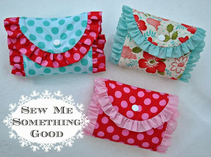 Sew Me Something Good Pattern here: http://www.craftsy.com/pattern/sewing/accessory/foldn-roll-shopping-bag/82168