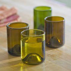 Vous voulez savoir comment couper une bouteille de vin? Réalisez vases et pots en verre pour la décoration de votre maison en vous aidant de ce tutoriel pour apprendre à découper une bouteille en verre. Apprenez à découper une bouteille de vin facilement et rapidement ! Pourquoi acheter de nouveaux vases pour la décoration de votre maison? Ce projet de bricolage vous permet d'avoir de jolis pots en verre sans ……